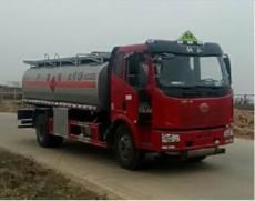 解放油罐车J6L解放加油车