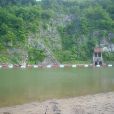 耐腐蝕浮式攔漂索管狀攔污排批發商