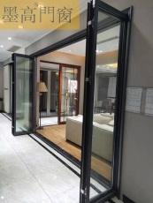 墨高門窗 自由折疊門實現了空間的開放
