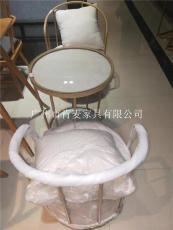 廣州肯麥餐飲家具鐵質仿木休閑桌椅帶抱枕
