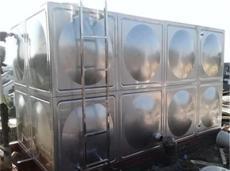方形不銹鋼供水水箱(不銹鋼中水水箱)