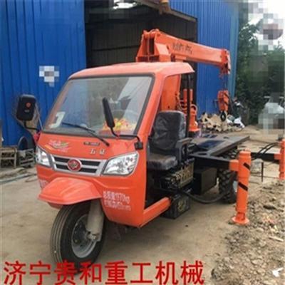 厂家供应小型随车吊 专业改装随车吊 三轮吊车价格