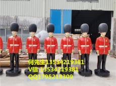 深圳出口香港玻璃钢英国士兵人像雕塑价格