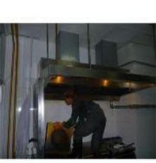 夏天就要到了天津酒店厨房油烟机清洗要及时:以免发生火灾