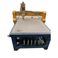 出售9成新1325高精度方軌木工雕刻機開料機