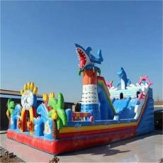 江西户外游乐场小孩玩的充气城堡大滑梯多钱