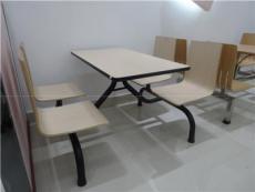 連鎖餐廳常用曲木連體餐桌椅廣東鴻美佳廠家批發價格供應