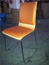 軟包帶皮墊彎木餐椅廣東鴻美佳工廠專業生產供應