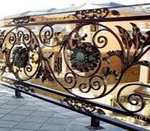 威海鐵藝護欄表面的裝飾