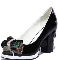 2014新款真皮個性魚嘴鞋女 時尚水鉆花朵裝飾粗高跟女鞋