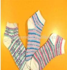 時尚短款提花襪批量出售