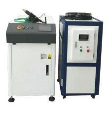尚泰激光設備廠家直銷500W手持光纖激光焊接機