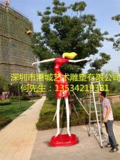深圳玻璃鋼雕塑購物人物抽象主題步行街雕像