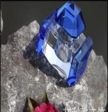 廠家直銷K9正品水晶汽車香水瓶高檔汽車香水座汽車擺飾