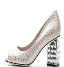一线品牌 2014女鞋新款 优质鳄鱼纹羊皮凉鞋 奢华镶钻真皮凉鞋
