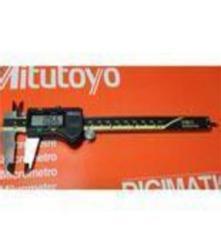日本三丰原装正品0-150MM数显卡尺德国马尔卡尺