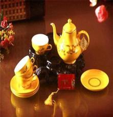整套茶具特价供应 一壶四杯彩梅、蓝牡丹茶具套装