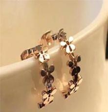 日韩精品 镀14K玫瑰金钛钢菊花耳钉耳环女款时尚饰品耳饰