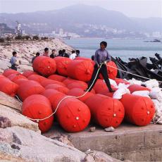 中间钢丝绳连接悬浮式拦污排安装方案