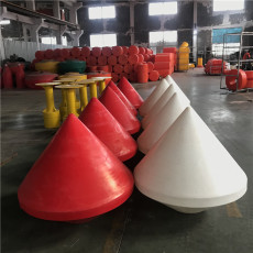 海域布設航道浮標紅色警示浮鼓