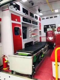 贵阳私人120救护车出租请来电