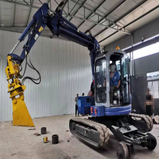 鹏神供应专业生产10-15T挖掘机加装轨道行走