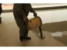 自流平水泥怎样施工没有气泡