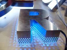 天津塘沽開發區LED發光字制作精品字加工