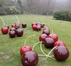 深圳專屬定制仿真水果玻璃鋼櫻桃雕塑廠家