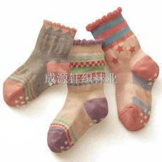儿童袜子厂家批发 硅胶防滑儿童袜广东袜厂