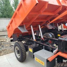 銅川帶UQ-8標志的裝載型礦用運輸車