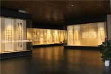 大学校史馆展柜定做-延墙平移门博物馆展柜