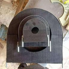 空调木托固定在管道外面