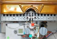 西安優尼卡壁掛爐售后維修電話指定網點