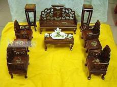 上海老梳妆台翻新 老凳子翻新 红木家具修复