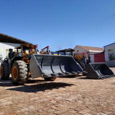 礦井裝載機型號矮體臥式礦用鏟車廠家
