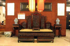 拆封技术老师傅制作上海红木家具翻新和维修