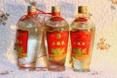 泰山區茅臺泰山區回收2001年茅臺酒回收價