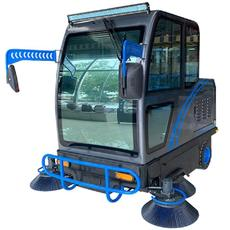 西安工業園區用嘉航全封閉駕駛式電動掃地車