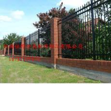 供应大门锌钢铁艺护栏  昆明铁艺护栏价格表