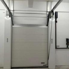 阔福工业滑升门门封安装