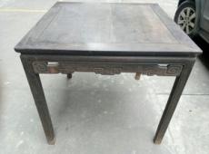 上海清朝老衣柜翻新 修椅子保持整件的完整