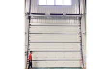 張家港化工廠房工業提升門抗強風