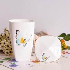 达美瓷业大容量金把金边带盖陶瓷水杯