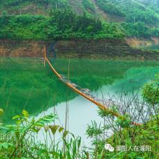 田坝水电站进水口拦漂装置大距离拦污排加工