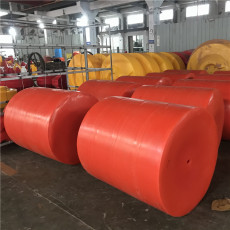 新型核电站进水渠拦污网浮漂设计安装