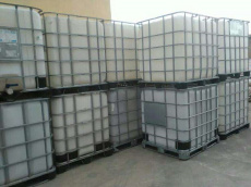 沈阳本城吨桶回收专注各种塑料容器回收